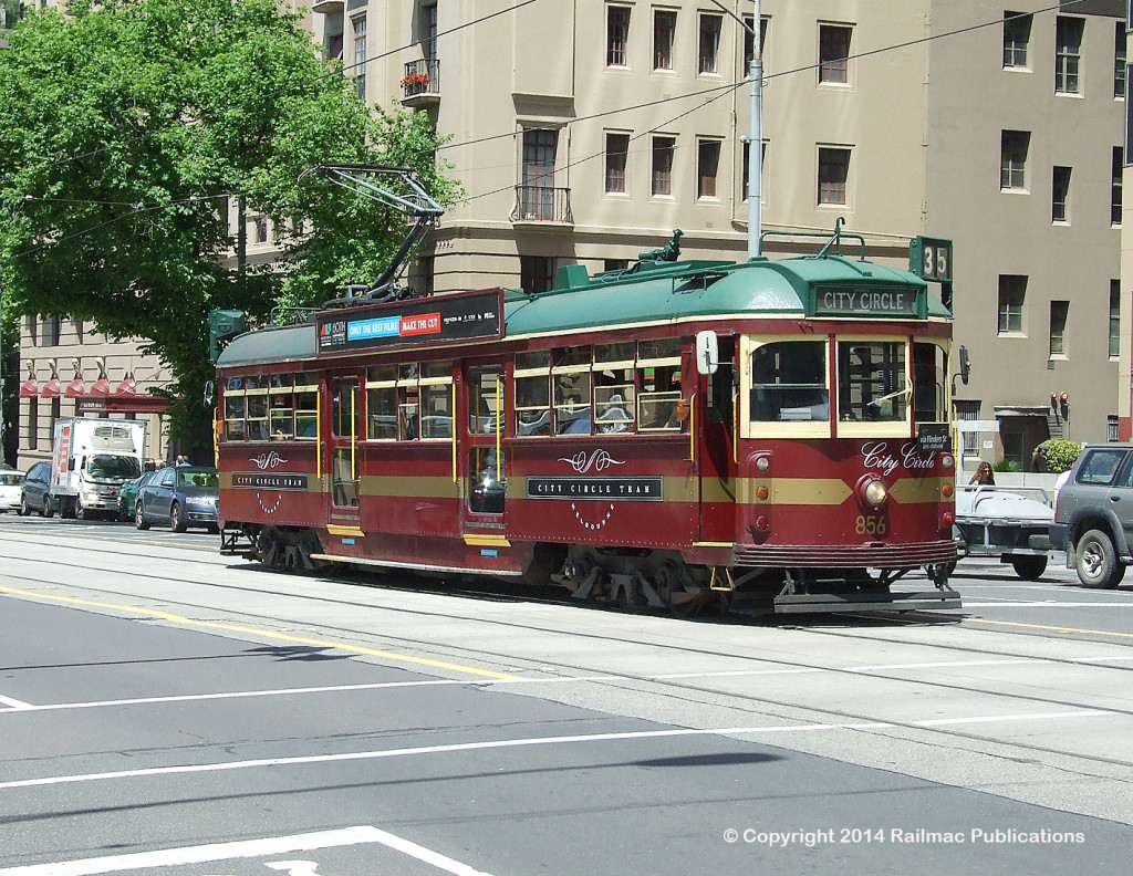 (SM 11-11-4722) Heritage W type tram 856 operating on the Melbourne City Circle service, November 2011