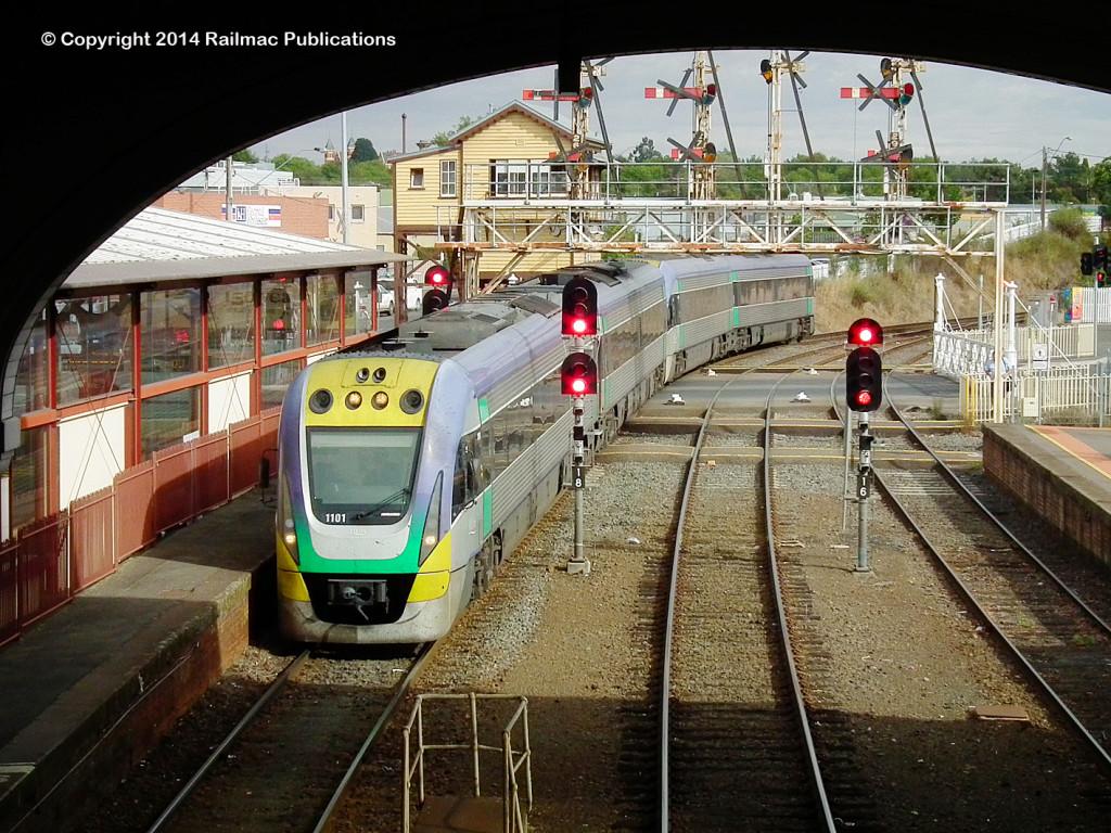 (SM 14-3-9844) 1101, 1201, 1109, 1209 arriving at Ballarat station, 11th March 2014