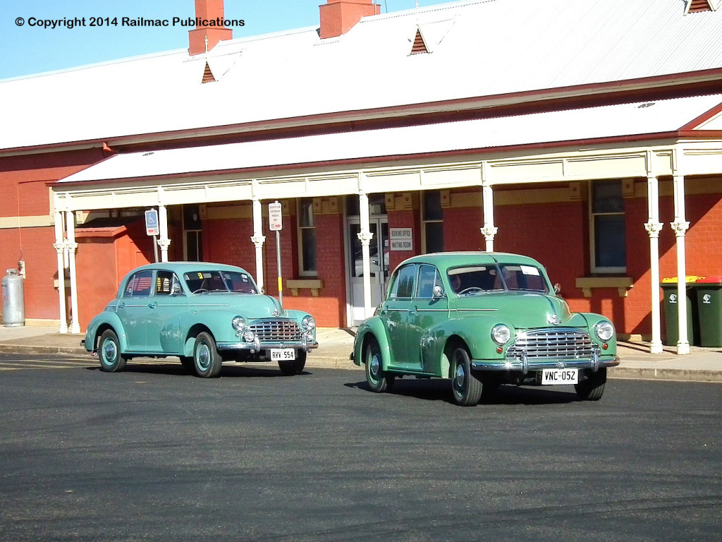 (SM 14-4-1845) 1952 and 1951 Morris Oxfords at Parkes (NSW), 20th April 2014