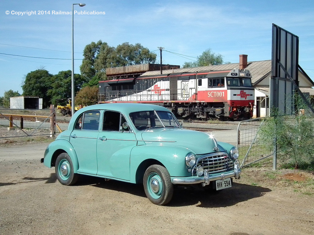 (SM 14-4-1889) 1951 Morris Oxford at Parkes (NSW), 21st April 2014