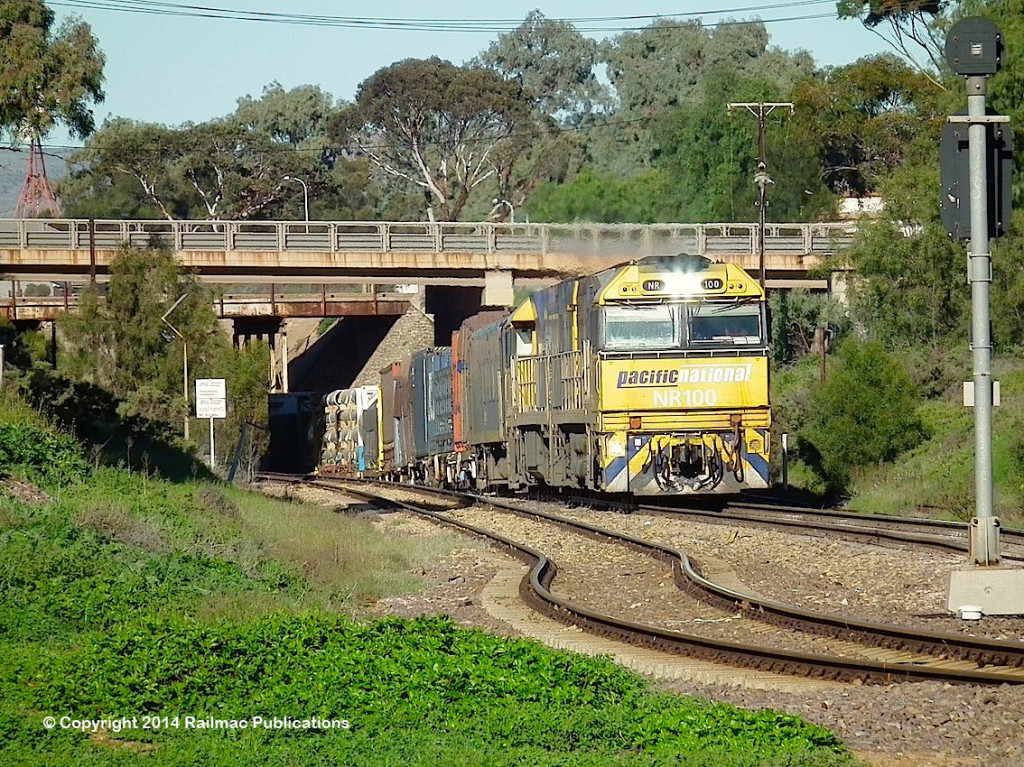 (SM 14-6-3233) NR100, NR22, Port Augusta, 7th June 2014