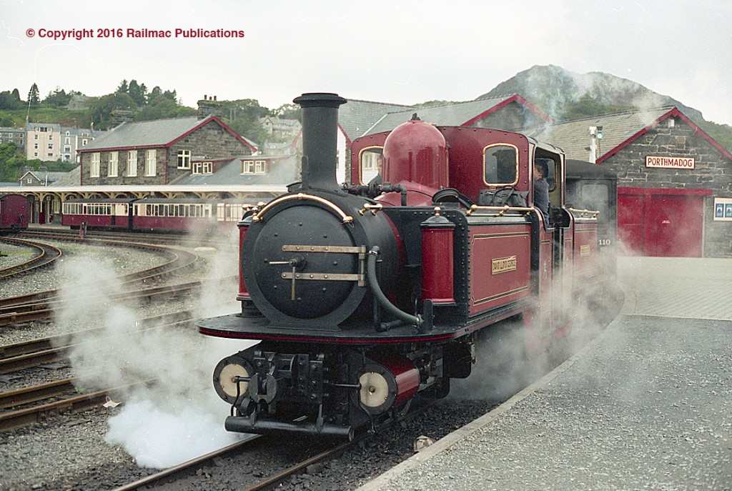 (SM 97-10135) Fairlie David Lloyd George departing Porthmadog station on the Ffestiniog Railway in North Wales, 17th October 1997.