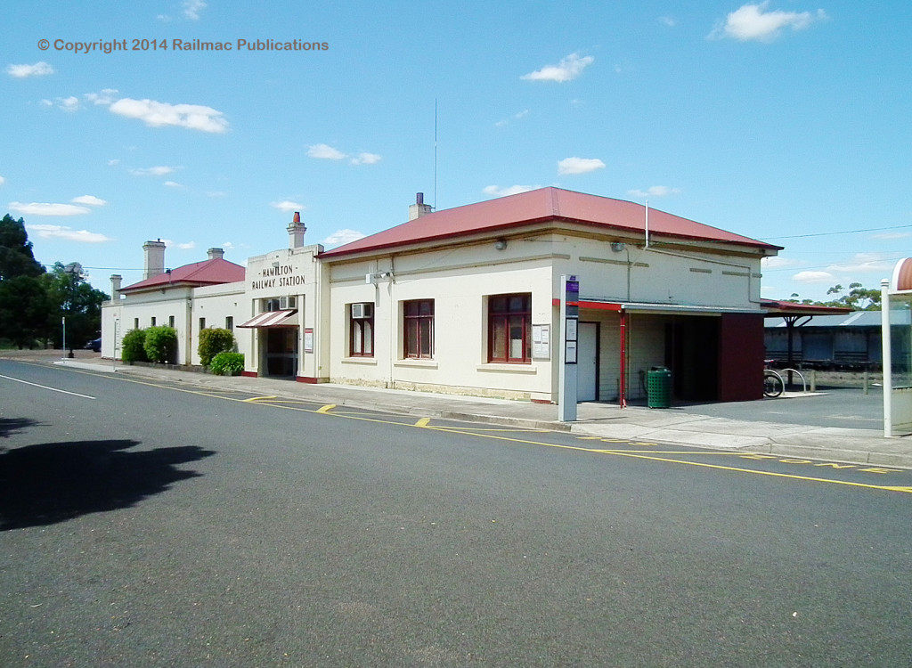 (SM 12-12-1297) Hamilton Railway Station (Vic), December 2012