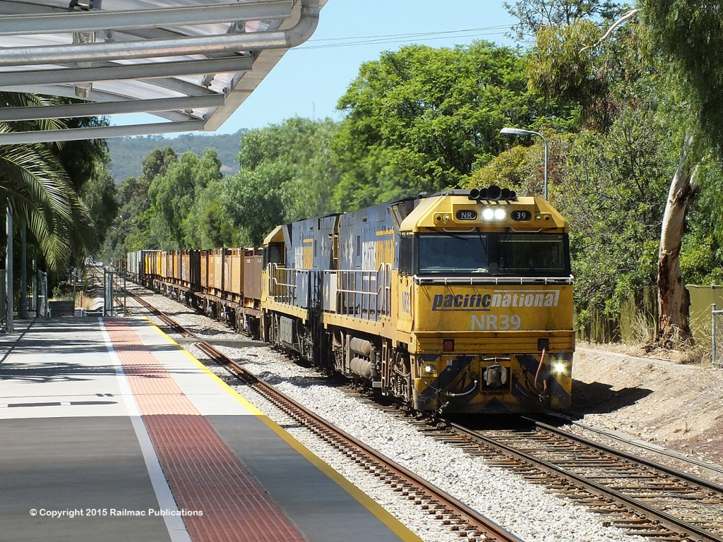(SM 15-2-4509) NR39, NR9 passing Millswood station (SA), 17th February 2015