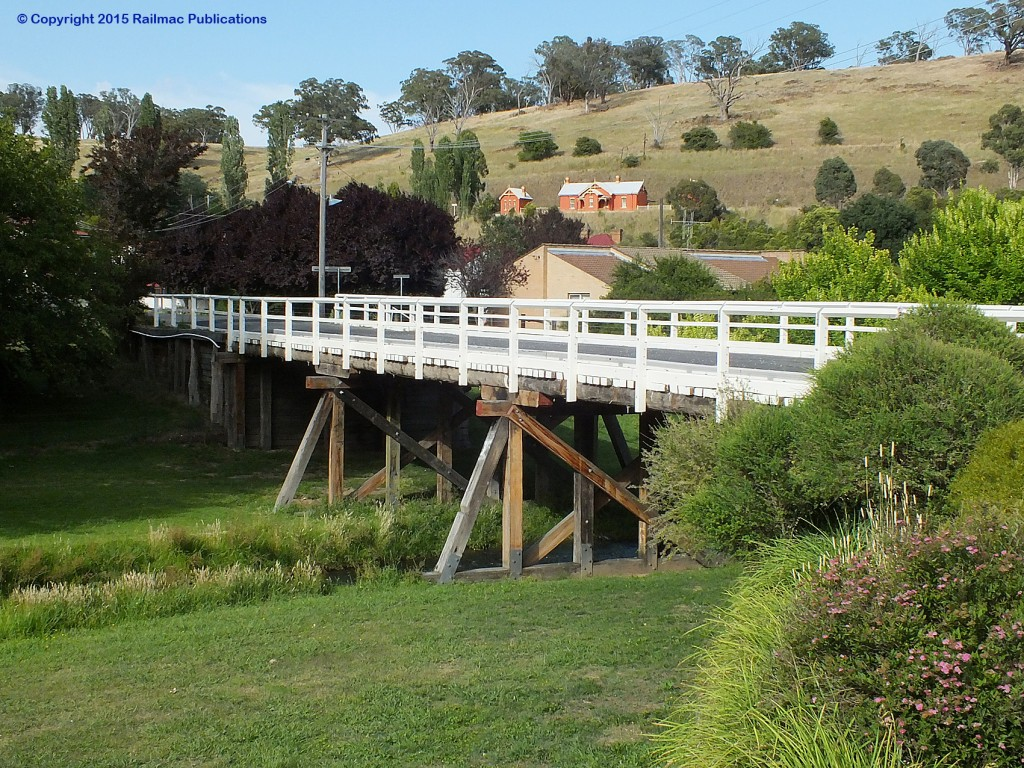 (SM 14-12-2229) Old wooden decked bridge crossing the Belubula River at Carcoar (NSW), December 2014