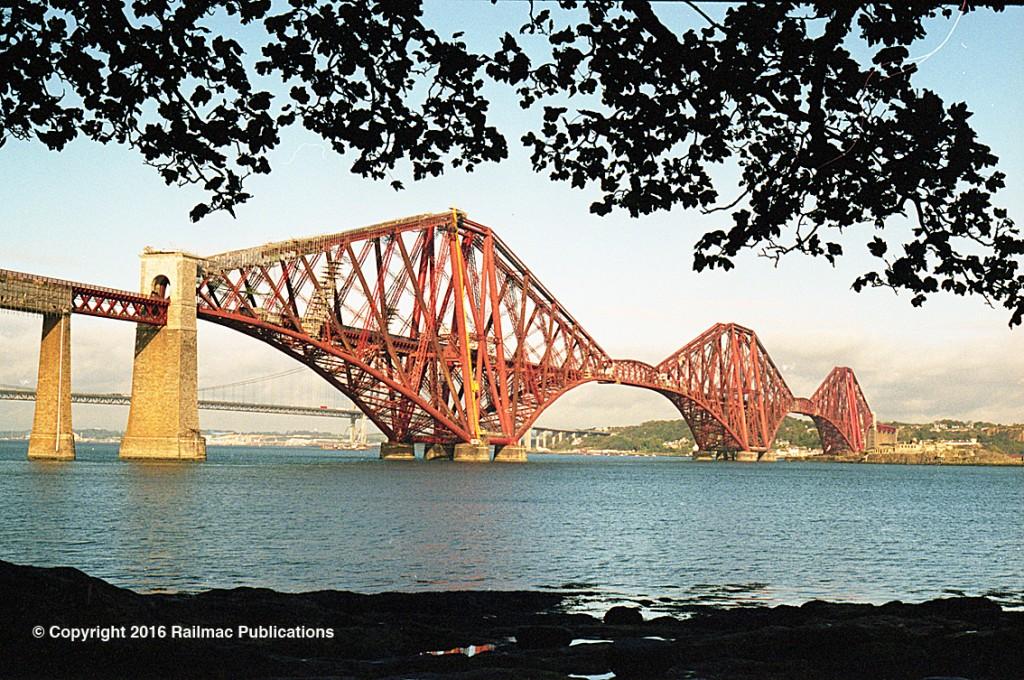 (SM 97-10018)  The Forth Rail Bridge, 9th October 1997.
